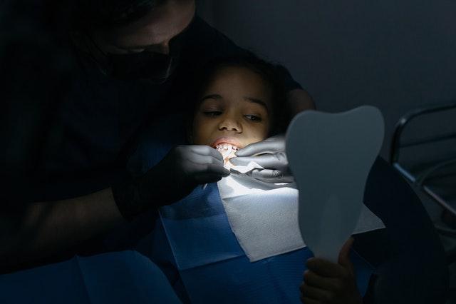tipos de adhesivos dentales